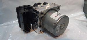 بلوک abs تولیدی شرکت ماندو Bh60 10F700 نصب شده روی پراید مدل 90
